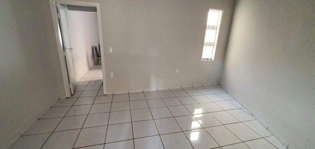 Casa Com Piscina 3 quartos 1 Suite Prox SHopping - Foto 11