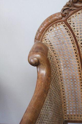 Poltronas de madeira de lei, poltrona antiga de ótima qualidade! - Foto 6