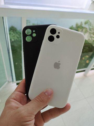 Capinhas + película Iphone 11 e 11 pro max Originais - Foto 4