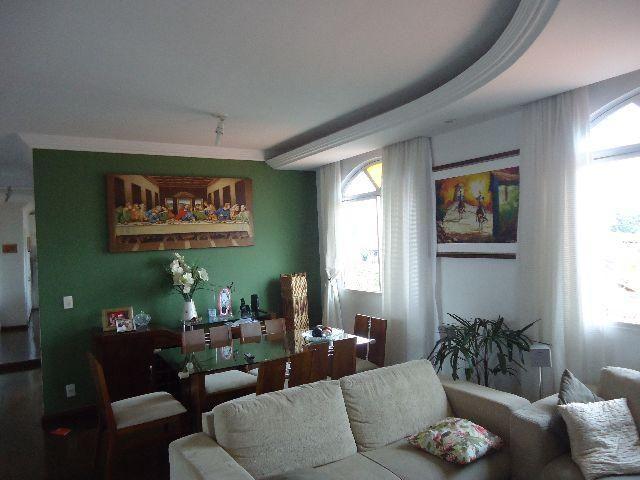 Excelente apartamento, 03 quartos, 03 vagas, ar condicionado, c/ armários, b. Santa Branca