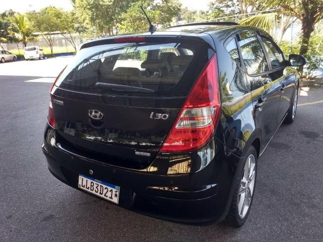 Hyundai i30 2010 automático top com teto - Foto 8