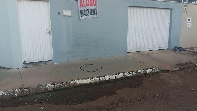 Casa 403 sul alameda 30 lote 05 com 02 quartos, sala,banh. area serv. garagem 98402-0973