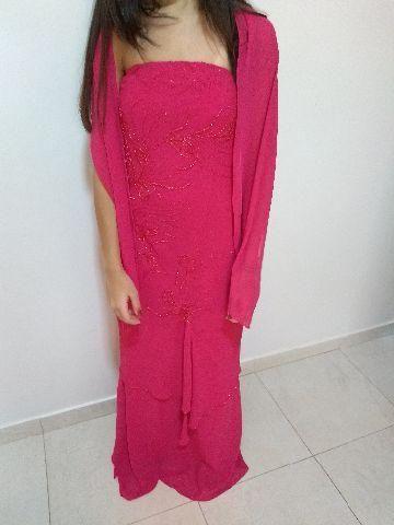 Vestido bordado de festa