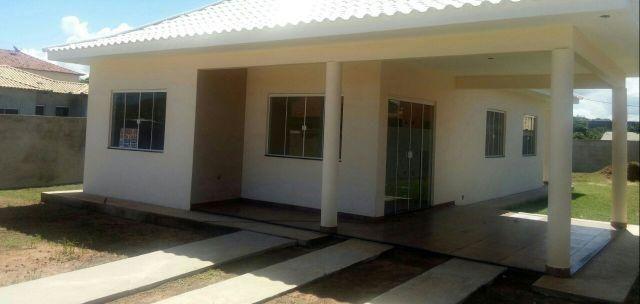 Iguaba Imóveis Cidade Nova,Salão, 03 quartos, terreno 450 m2 murado