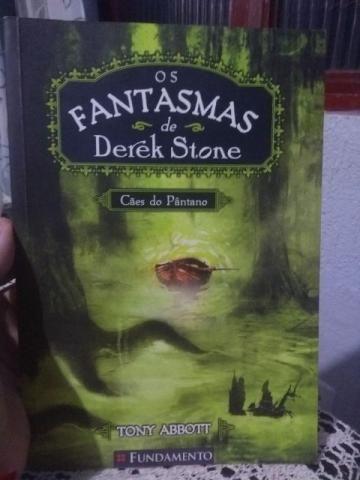 Livro - Os Fantasmas de Dereck Stone - Cães do Pântano - Tony Abbott