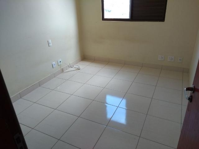 Apartamento com 3/4, 2 garagens, área de laser completa
