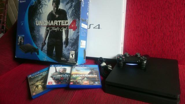PS4 - PlayStation 4 Slim com 16 jogos
