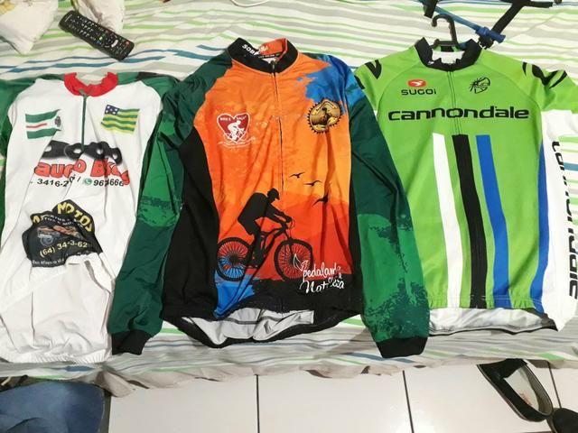 Vendo 3 blusas de ciclismo valor 120 as 3