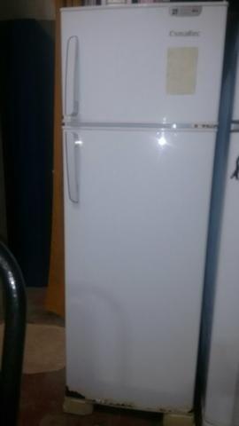 Vendo geladeira Electrolux