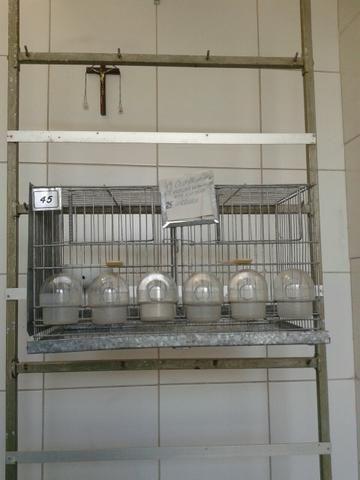 Vendo gaiolas de metal para pássaros