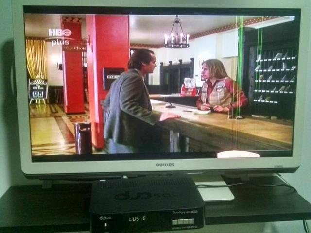 TV Led 24 polegadas Philips BRANCA