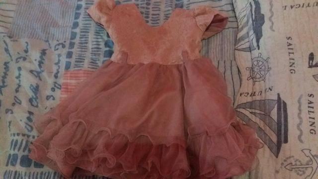 Vendo lindo vestido infantil