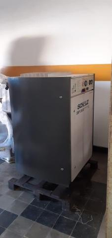 Vendo ou Troco Compressor Schulz 30HP - Foto 2