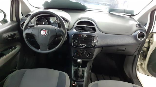 Fiat Punto 1.4 Atractive 2013 - Foto 3