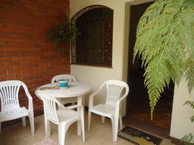 Casa bem conservada em ótima localização, próximo a Rua Padre Eustáquio! - Foto 12