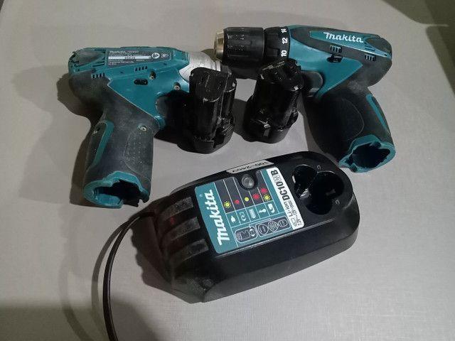Kit parafusadeira, uma furadeira e uma parafusadeira com duas baterias e um carregador - Foto 2