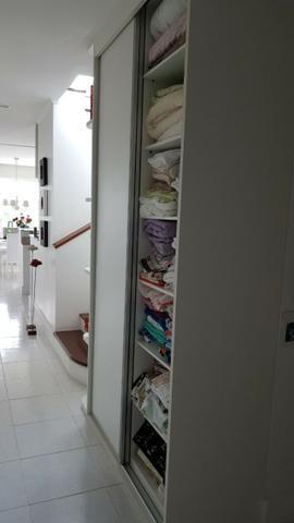 Cobertura Duplex Decorado com acesso exclusivo para o Rio em Buraquinho R$ 490.000,00 - Foto 14