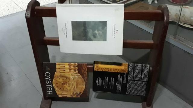 """Movel de madeira """"porta revistas """""""