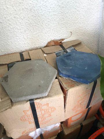 Ladrilhos hidráulicos 15x17 hexagonal liso - Foto 2