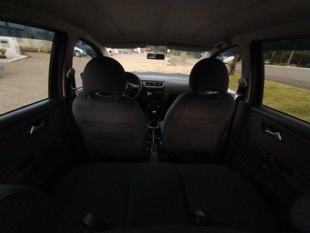 Volkswagen Fox 1.0 VHT (Flex) 4p 2012 - Foto 10