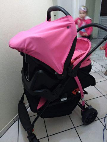 Vendo Carrinho + Bebê Conforto com base para carro Burigotto - Foto 5