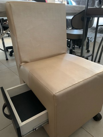 Cadeira para manicure nova - Foto 2