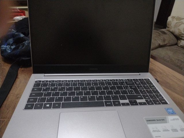 Vendo um notebook novo  Samsung - Foto 3