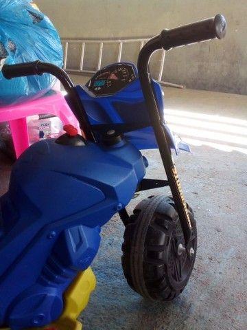 Moto Elétrica 6V Bandeirante Azul infantil  - Foto 3