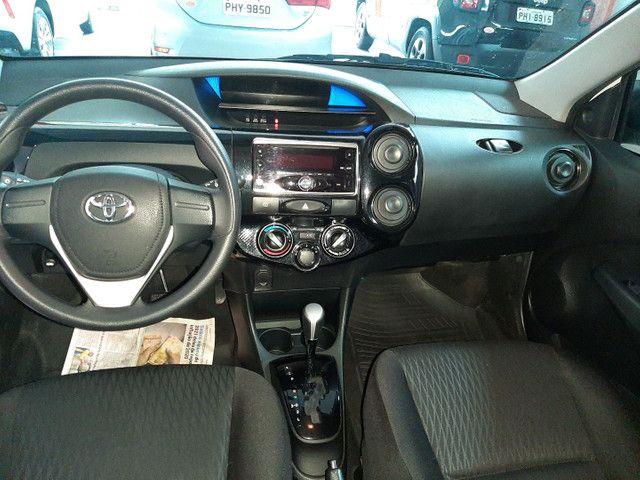 Toyota Etios HB 1.3 aut  - Foto 4