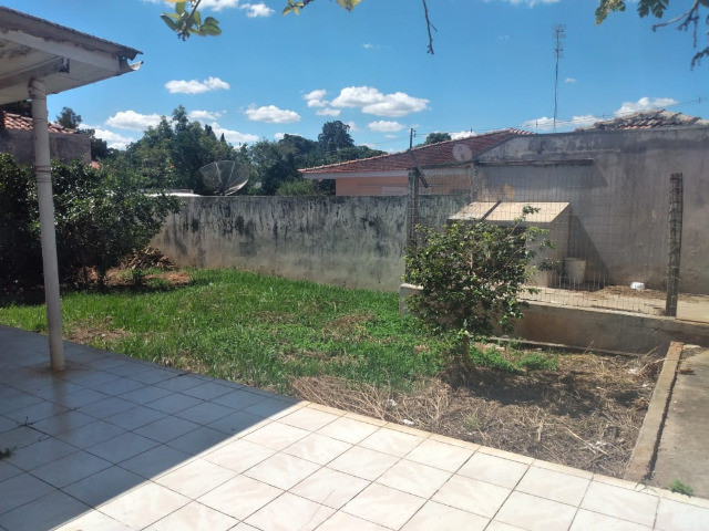 Ótima residência com amplo terreno no Orfãns !!! - Foto 11