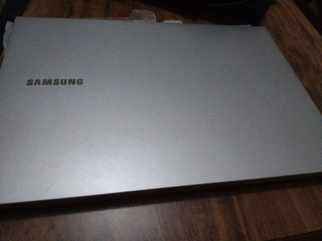 Vendo um notebook novo  Samsung