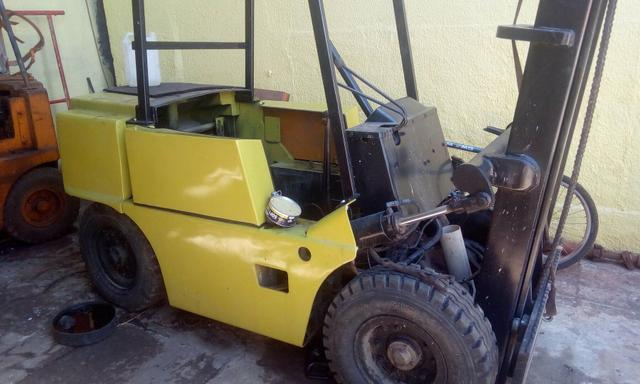 Empilhadeira Clark Yale hyster