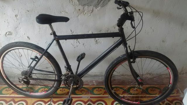 Bike muito boa no precinho 200 + tem conversa