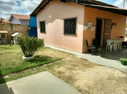 Alugo casa no equatorial toda murada