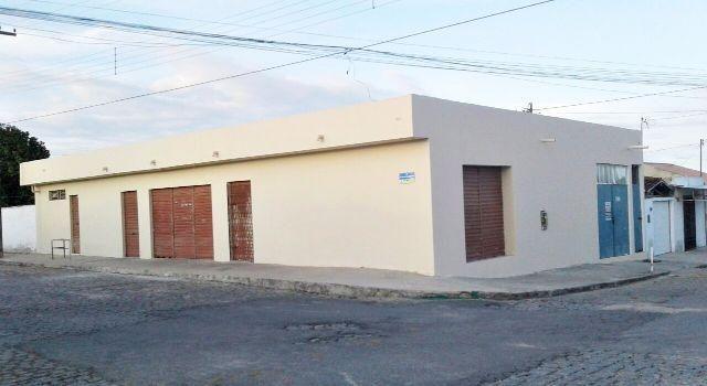 Prédio Comercial no Rocha Cavalcante