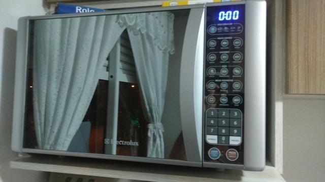 Forno micro-ondas porta vidro espelhado 31l (mev41) 220v