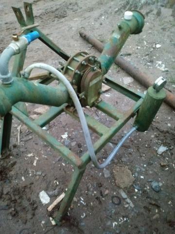 Bomba estacionaria de irrigação ou dejetos para trator