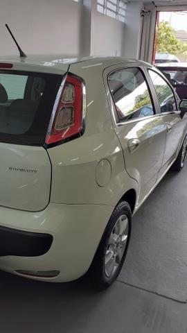 Fiat Punto 1.4 Atractive 2013 - Foto 2