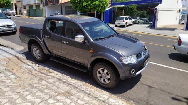 Vendo!! L200 Triton - 3.2 - Diesel - 2013 - Completa - Foto 7