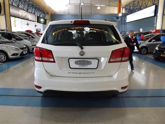FIAT FREEMONT 2.4 EMOTION 16V GASOLINA 4P AUTOMÁTICO - Foto 2