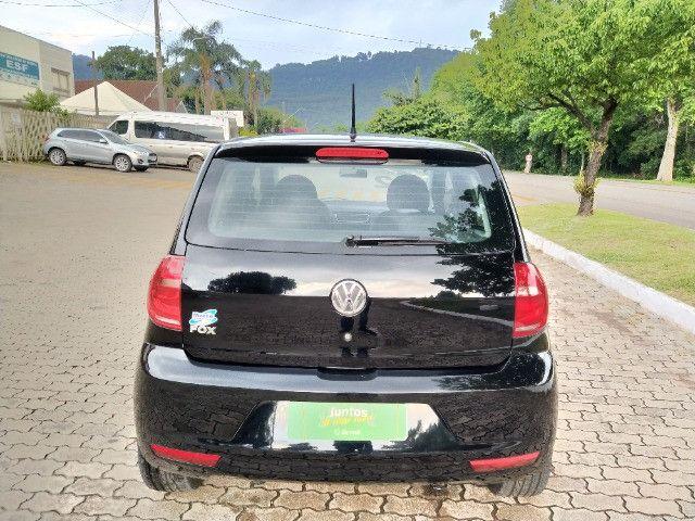 Volkswagen Fox 1.0 VHT (Flex) 4p 2012 - Foto 6