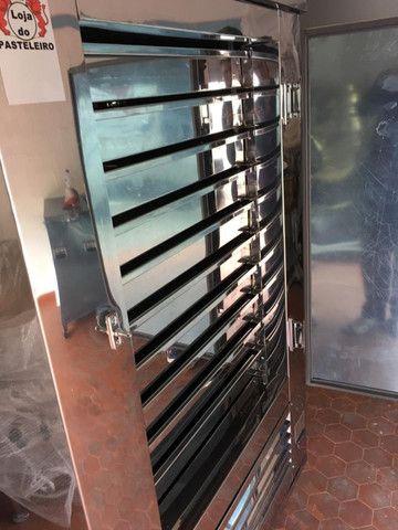 Freezer/Frezer/Geladeira Para Pastéis/gaveteiro com motor, Pastelarias - Foto 5
