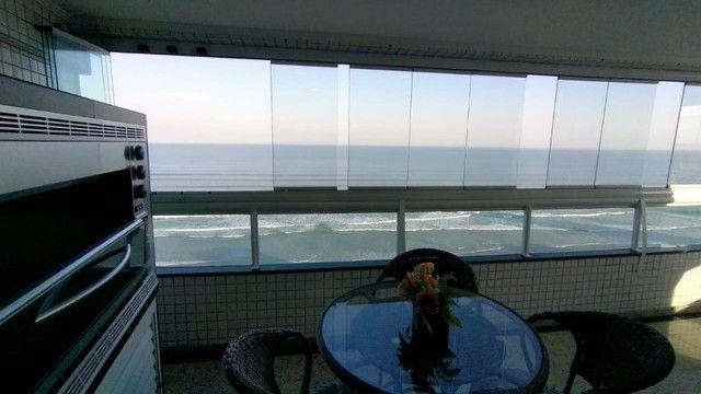 Apartamento alto padrão 3 dormitórios suítes frente mar Campo da Aviação Praia Grande - Foto 5