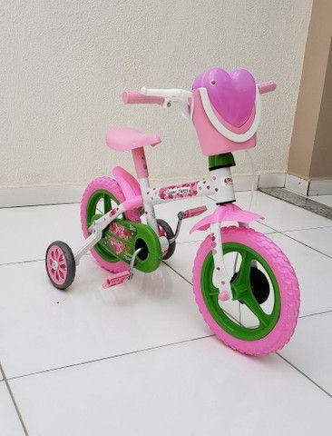 Bicicleta aro 12 Nova prá menina a partir de 2 anos.