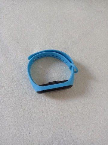 2 Relógios o azul 20 e o preto 50