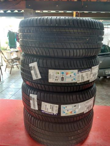Kit 4 pneus R17 225 45 Michelin 0 km