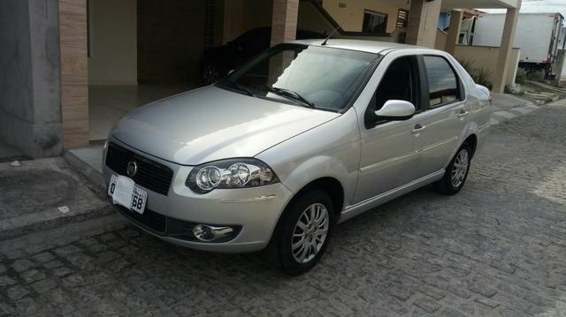 Siena essence 1.6 completo ano 2011/2012