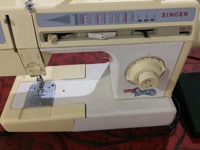 Vendo máquina de costura em perfeito estado