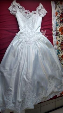 Vestido de noiva em tecidos nobres