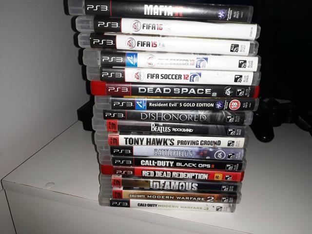 Vendo playstation 3( travado) com 17 jogos originais